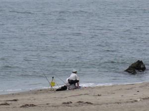 三浦海岸の釣り人