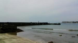 一色海岸の堤防