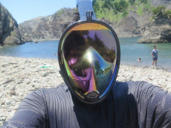 フルフェイス型のシュノーケリングマスク